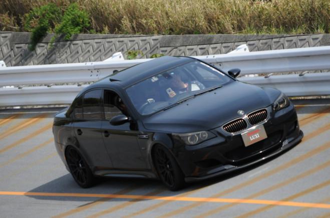 !イノテック BMW E60 M5 可変 バルブ マフラー トリック ミーティング